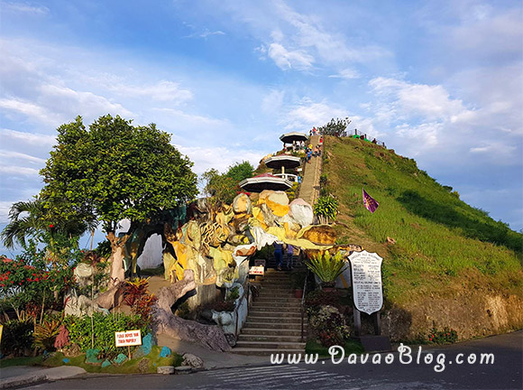 Bohol-Tourist-Spot-Chocolate-hills-Bohol-philippines-2